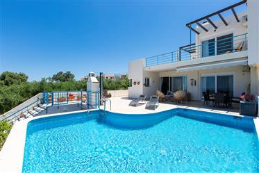 Βίλα Αγίου Δημητρίου με ιδιωτική πισίνα