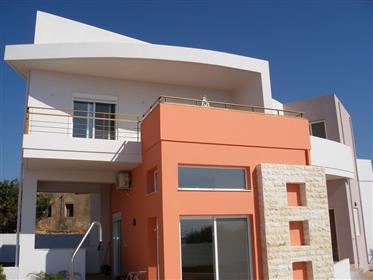 Σπίτι σχεδιαστών με τις φανταστικές απόψεις