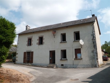 Partly habitable stone house with generous kitchen and living room (23 et 28 m2) both with