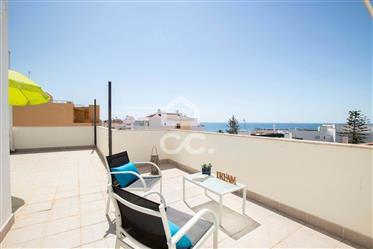 Apartamento T2 último andar com Vista Mar em Armação de Pêra com 2 terraços e 2 lugares de garagem!