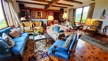 Vivenda: 425 m²
