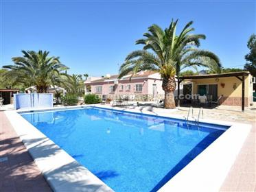 Villa with guest house at 5 minutes from beaches