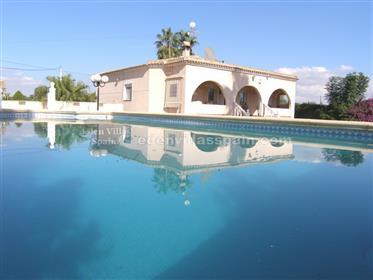 Chalet nuevo con piscina privada