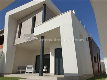 Key-Ready brand new house with private pool and jacuzzi at 10mn from the coast