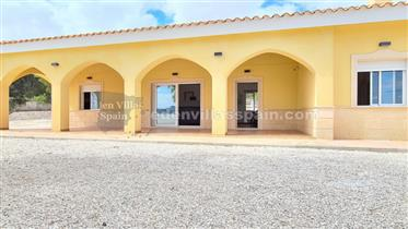 5 bedroom new Villa with garage in Pinoso