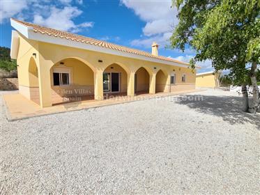 Brand new 5 bedroom Villa with garage
