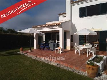 Moradia T2+1 na Praia del Rey, em condomínio privado com pis...