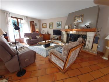 Maison Claire Et Spacieuse