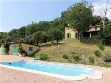 Restored country house with pool and 2,9 ha (7 acres) of land