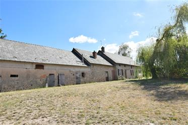Old Farm With Source On 3.5 Ha
