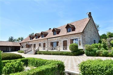 Kuća : 285 m²