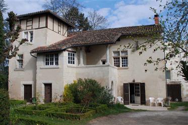 Périgueux Dordogne Maison  De Caractère 280 M² Terrain Piscine