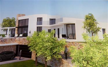 Santa Cristina de Aro, stedelijk land van 1.685 m2 met studie van de bouw van een vila