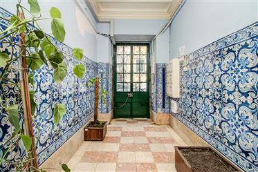 Totally Refurbished Apatment In Campo De Ourique!