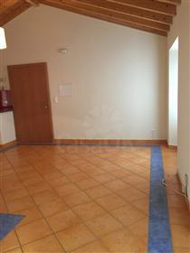 Apartamento T2 renovado com terraço