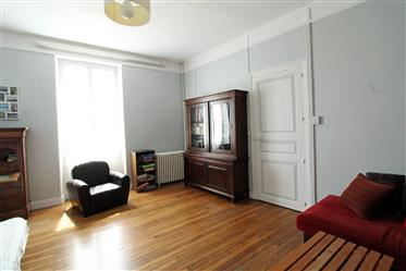 Victor Hugo Neighbourhood - Character House with Garden - 204 sqm - Commercial Local
