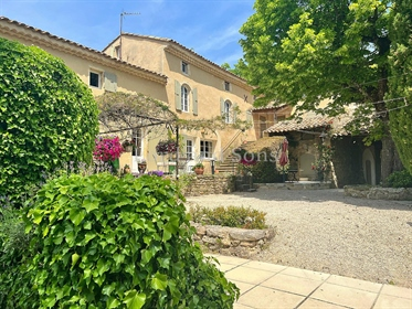 Near Grignan Property with Bastides and independent houses on 4 hectares