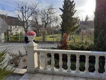 Grande maison, très bon état, au calme avec jardin