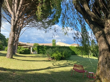 Large house for sale, up in the hills in the Drôme