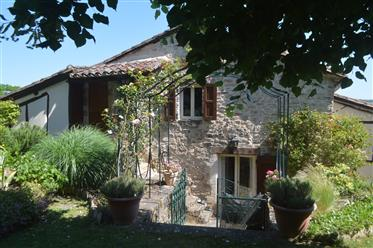 Cordes-Sur-Ciel – an exceptional village house with pool and garden.