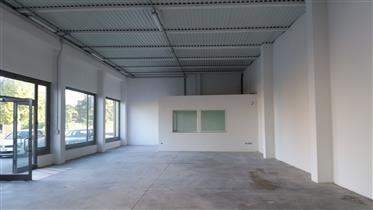 Local commercial : 280 m²