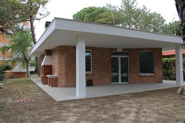 Villa ristrutturata -primo ingresso- Lignano