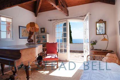 Chef D'Oeuvre D'Histoire - Immobilier de luxe dans Le Golfe de St Tropez 83990 - Halstead Bell