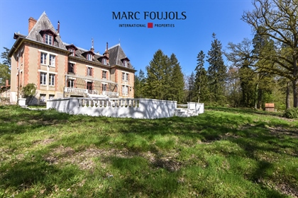 Hunting estate and its Napoleon Iii château, Paris 190 km by highway