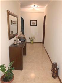Fantástico apartamento T2 com 2 Wc em Olhão