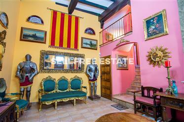 Vivenda: 2.250 m²