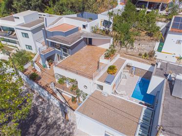 Luxury villa T4 with Swimming Pool I 440m2 I Modern architec...