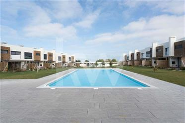 Moradia T4 nova de luxo I Praia Santa Cruz - Costa da Prata I Condominio Fechado