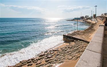 T2 com acesso directo à praia e em condominio fechado com piscina