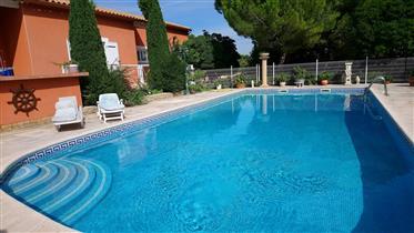 Bouzigues-Villa De Charme Plain Pied. Village bord Etang De Thau - 720 000 Euros - Ref 491