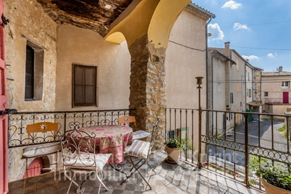 16Th century house for sale