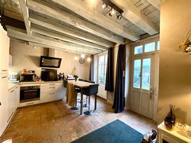2 bedrooms apartment – Historical Beaune's neighborhood