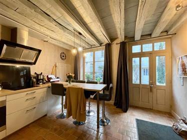 Appartement ancien, situé dans le centre historique de Beaune