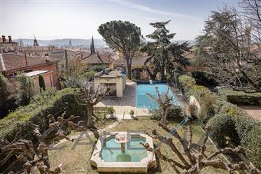 Bastide for sale downtown Aix-en-Provence