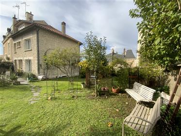Poitiers-Quartier Saint Hilaire- Maison