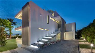 Uma incrível nova vila contemporânea de quatro quartos proje...