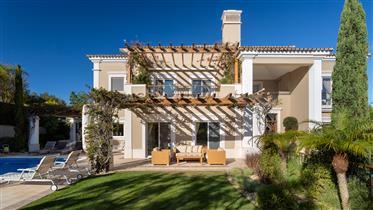 Abigail 4+1 villa em Quita do Mar
