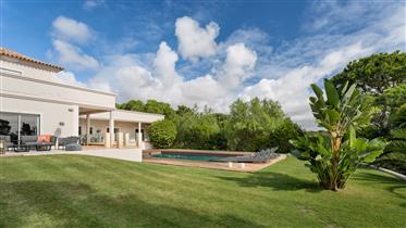 Vila amarga na Quinta do Lago