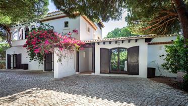 Vila estilo Shelly Mediterrâneo