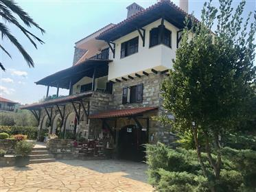 Halkidiki dream family home in an ideal location!!