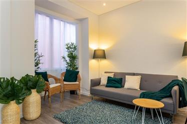 Vendo Apartamento T2  na Penha de França (Mobilado)