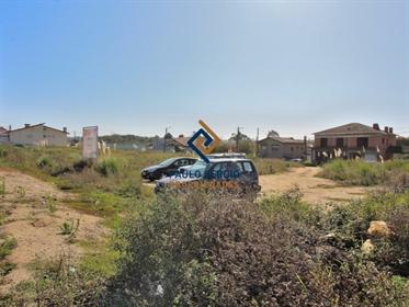 Excelente terreno com 2,734m2 em Esmoriz para contrução de m...