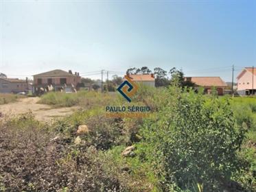 Excelente terreno com 2,734m2 em Esmoriz para contrução de moradia de 4 frentes próximo da estação d