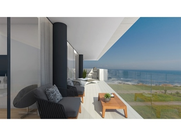 4 bedroom apartment on the beach of Canidelo. Surrounded by the eccentric landscapes of Foz Do Douro