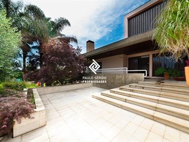 Moradia T6 -2 casas numa- lote 2500m2 Santa Maria Da Feira