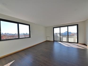 Vende-Se apartamento T2 na Boavista, próximo da casa da músi...